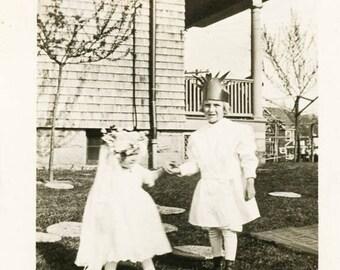 vintage photo 1914 Little Girls Queen Liberty Crown Baby Bride Costumes