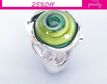 Silver Sterling 925 Ring - Circle Ring - Unique Green ring -Lampwork Jewelry - Glass Bead Jewelry - Beadwork Jewelry - Beaded Jewelry