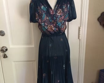 Adorable vintage women's boho floral dress size S/M