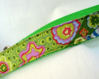 Kaffe Fassett  - Large Dog Collar - 1 Inch Wide - Bright Green - Adjustable Between 14-23 Inches - READY TO SHIP