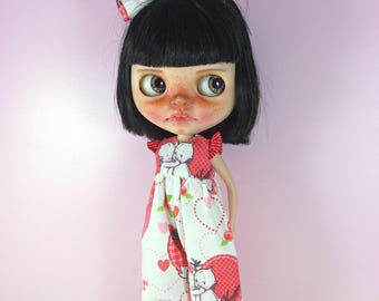 One Kewpie Jumpsuit and Bow Outfit for Blythe.