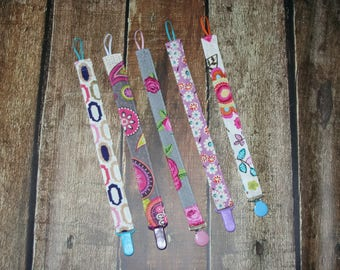 GOING OUT of BUSINESS Sale, Set of 5 Binky Clips, Pacifier clips, Ready to ship