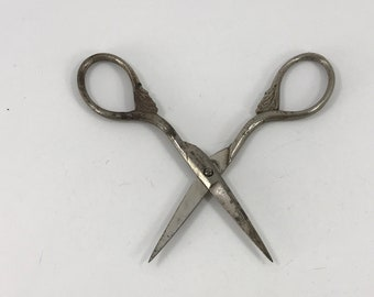 Vintage Ornate Embroidery Sewing Scissors