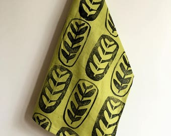 maranta black jungle leaf. block printed linen napkins. set of four / hand printed / placemats. prayer plant. avocado.