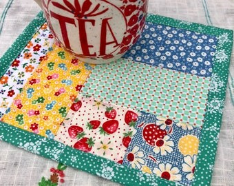 Mug rug mug mat vintage style floral mug rug tea mat coffee mat teacher gift quilting gift mini quilt