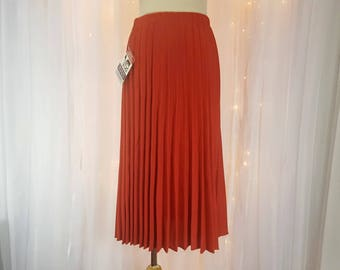 Vintage - Pleated Skirt - By Milliken - Rust - 70s / 80s  - Tagged - Never Worn - New Old Stock