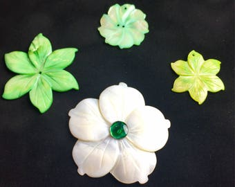 Green Mother of Pearl Focal Flower Mix