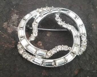 Vintage Brooch, Vintage Rhinestone Brooch, Clear Rhinestone Brooch, Vintage Jewelry, Silver Brooch, Brooch