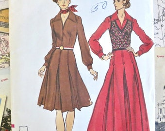 Vintage 1970s Womens Dress and Sweater Vest Pattern - Vogue 8373