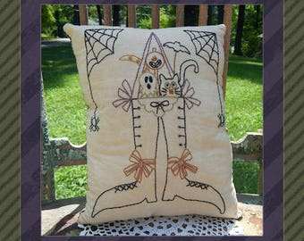 Halloween Friends-Primitive Stitchery  E-PATTERN by Primitive Stitches-Instant Download