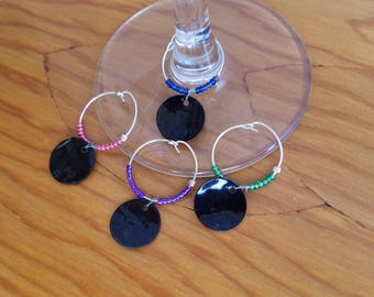 Black Rounds wine glass charms, drink charms, wine identifiers, hostess gift, wine accessories, glass charm, party favors, housewarming gift