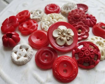 Vintage Buttons - Cottage chic mix of red and off white, lot of 20 old and sweet( june 507 17)