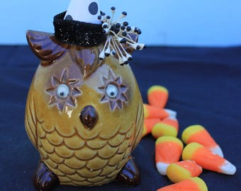 Vintage Style Halloween - Ceramic Star Google Eye Owl Figure with Witch Hat. Polka Dot Hat