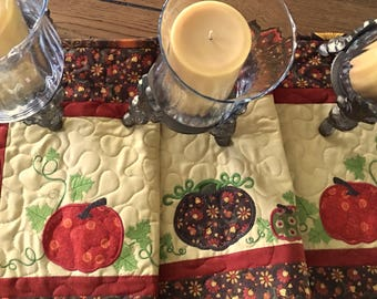 Quilted F A L L Table Runner . . . Appliqué PUMPKINS and VINES    . . . Rich Fall Colors . . . Seasonsl Table Decor