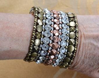 ON SALE Pretty Vintage Copper, Brass, Rhinestone Stretch Bracelet (AQ14)