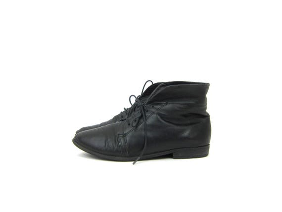 Black Leather ankle boots short Fold Over Boots Lace up PIPPI booties Black Peter Pan granny boots womens 1980s Shoes size 7.5