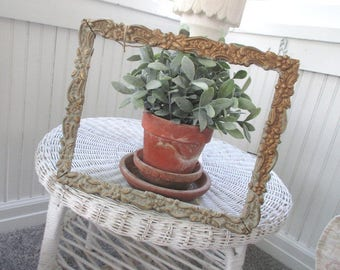 SALE * Vintage Gesso Frame * Shabby French Cottage * Chippy * Patina
