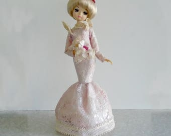 """big-eyed musical bride doll, made in japan by Sankyo, """"I Could've Danced All Night"""" from My Fair Lady, music box, blonde, pink dress, 1960s"""