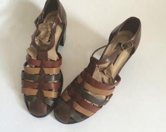 SALE Vintage Westies Leathers Sandals Size 7 // olive green rust mustard 80s 90s fisherman's 1980s 1990s Brazil chunky shoes stacked heels