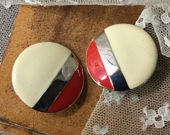 Career Worthy Red Cream Enamel Silver Tone Round Earrings Unsigned Clip On 1970's 1980's Circular Smooth Finish Striped Pattern Day Wear