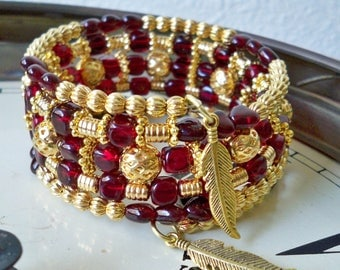 FSU College jewelry - Wrap Bracelet - Garnet glass and Gold metal beads - Goldtone Feather charms - Seminoles - Noles - bycat