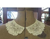Vintage Schiffli Lace Collar Ivory Colored Peter Pan Design