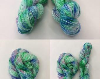 Summer Breeze - Hand-dyed Stellina Merino Sock Wool 4 ply