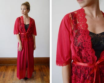1970s Red Nylon and Lace Robe - S