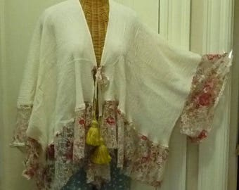 Printed Lace Kimono Medium, Large, XL, Up Thru 6x, Womens One Size Lagenlook Ivory, Red, Gold, Boho Gypsy Jacket