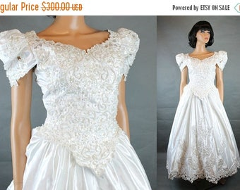 ON SALE Vintage Wedding Gown S Venus Nos Nwt White Satin Pearl Beaded Cathedral Train Free Us Shipping