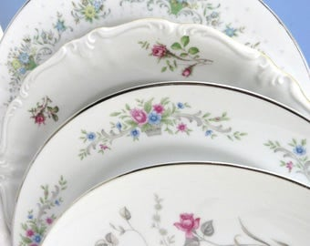 """Set 4 Vintage Mismatched 10"""" Fine China Dinner Plates, Pink Floral, Mix and Match, Colorful, Vintage Wedding or Tea Party, Wall Decor DP43"""