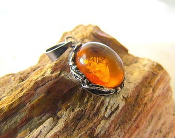Vintage Native American Style Sterling Silver & Amber Pendant