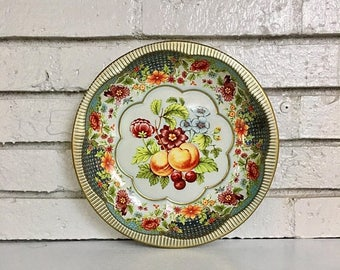 ON SALE Vintage Fruit Daher Round Metal Tin Tray Bowl Serving Platter // Scalloped Bowl // Fruit Bowl // 1970s Tin Tray // Made in England