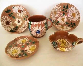 Vintage Mexican Splatterware  Oaxacan Tourist Pottery, Lot of 5 pieces, Sunny Flowers
