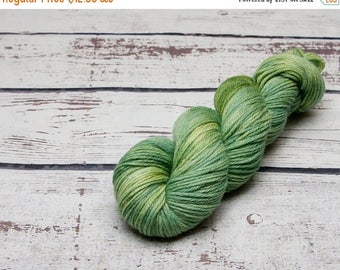 ON SALE Sabio semi solid yarn - Hand dyed wool yarn, green, sage, leaf, one of a kind, tonal, wool, yarn, worsted