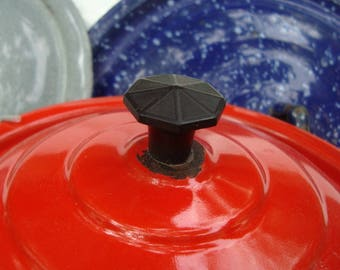 Red Enamelware Pot Lid Black Knob Concentric Ring Shape 6.75 Inch Lid Only