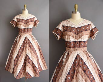 ON LAYAWAY...vintage 1950s Mode O Day cotton full skirt dress 50s Large brown floral stripe day dress