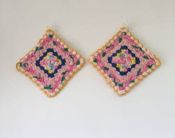 Vintage Crocheted Pot Holders, hot pads, square, pastel, pink