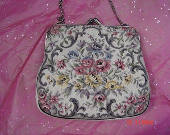 Vintage Floral Tapestry Handbag/Purse - Lovely