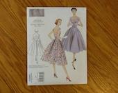 Vintage Sewing Pattern - Vogue 2960 - V2960 - Vogue Vintage Model - Scoop Neck Dress - Full Skirt Dress Pattern - 36 Bust - 1950s Pattern