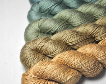 Reedy hide-out - Gradient of Silk/Cashmere Lace Yarn