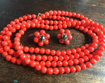 "1960's Lipstick Red Plastic Beads 42"" & Clip On Earrings - Hippie Festival Wear - long red necklace  - Red clip on earrings - flapper"