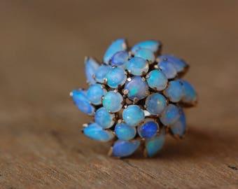 Vintage 1960s tiered opal Princess style ring ∙ 14K opal harem ring