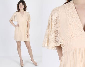 Angel Sleeve Dress Boho Wedding Dresss Bell Sleeve Dress Boho Dress Vintage 70s Floral Lace Dress Hippie Prairie Festival Mini Dress S