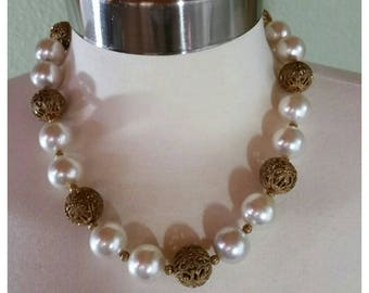 Vintage 50s/60s Necklace, Choker, pearl and filigree Balls.