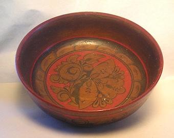 An Antique Turned Wood HP Folk Art Bowl Z22