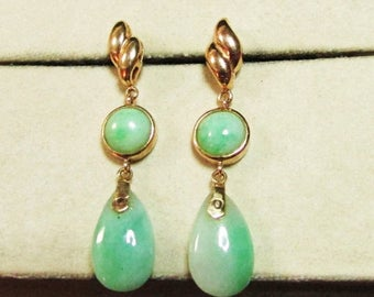 For Sale Vintage Estate  14KT Gold Apple Green Jade Drop Earrings
