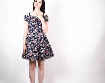 On SALE 45% Off - 90s Floral Dress  - Vintage Floral Dresses -  Soft Grunge Floral Dress - The Pressed Roses Dress - 6082