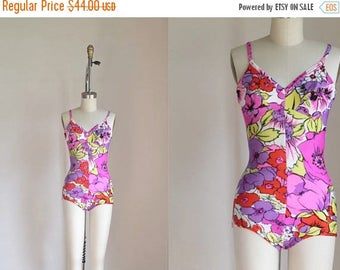 AWAY SALE 20% off vintage 1960s swimsuit - BOLD Floral neon one piece bathing suit / Xs/S/M