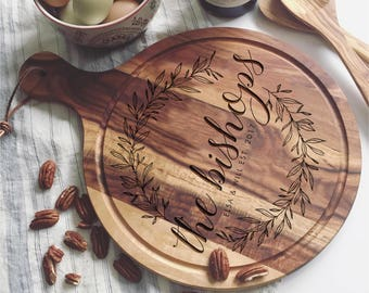 Personalized Cutting Board, Custom Cheese Board, Couple Cutting Board, Newlyweds Gifts, Round Cutting Board, Custom Bread Board, Foodie Gift